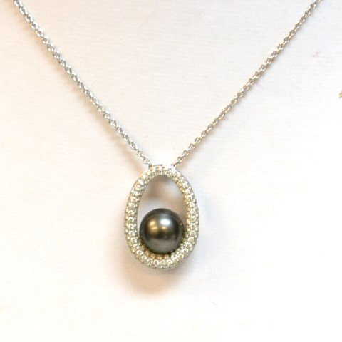 18kwg Black Tahitian Pearl & Diamond Necklace