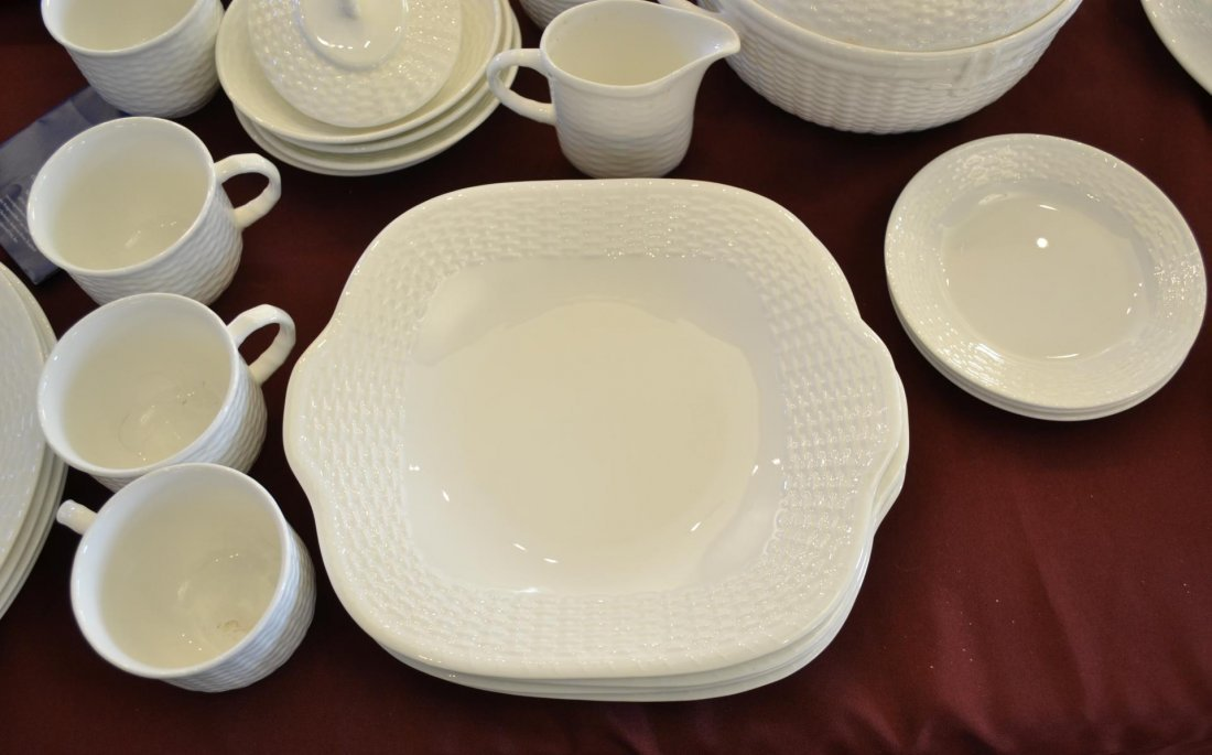 43 pc Wedgwood Nantucket basket fine china - 2