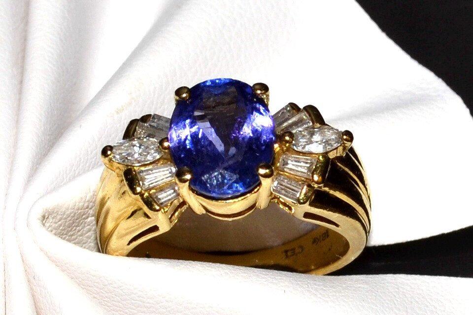 18kyg Tanzanite & Diamond Ring