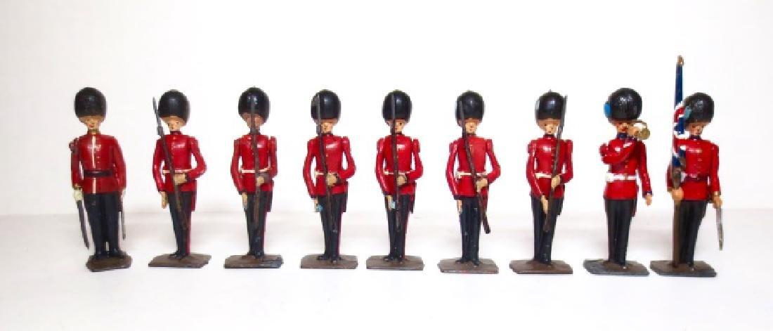 Britains Irish Guards Present Arms Set