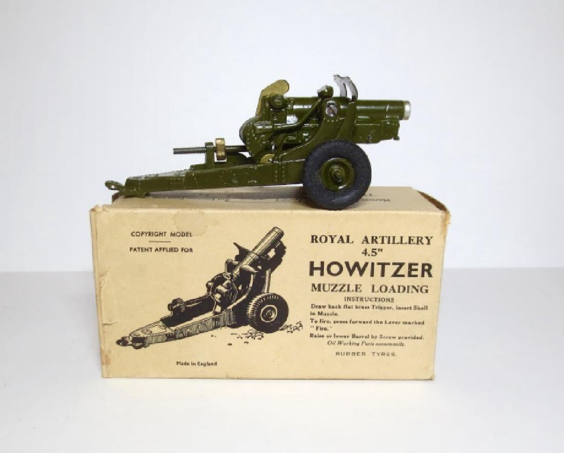 """Britains Royal Artillery 4.5"""" Howitzer with Ammo"""