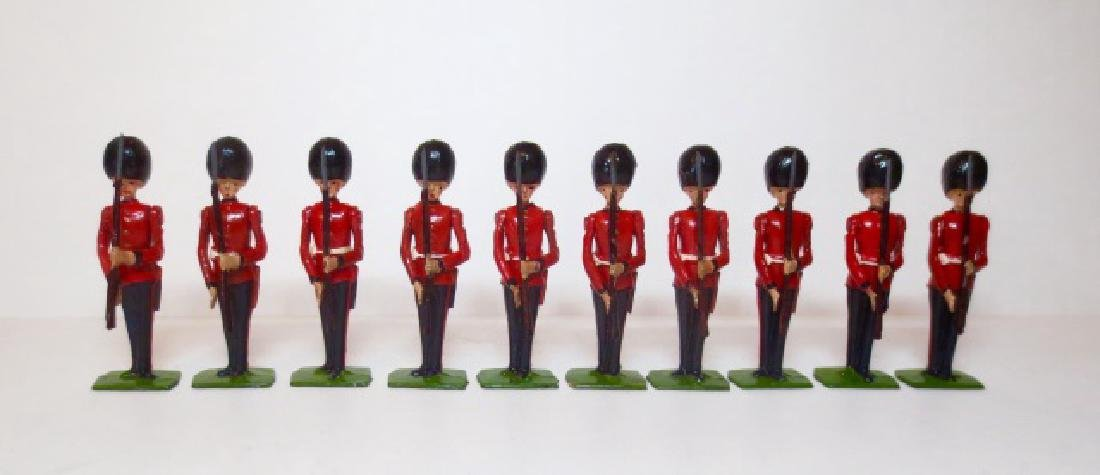 Britains Scots Guards Present Arms Set