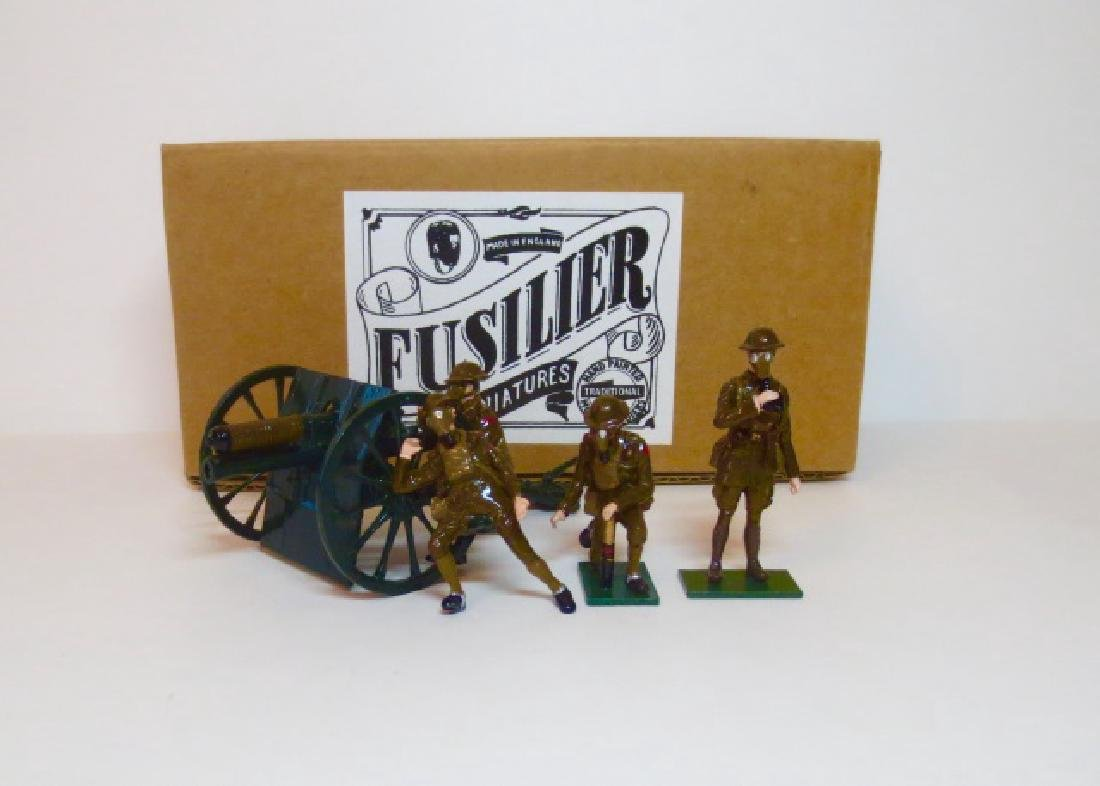Fusilier WW1 British Artillery in Gas Masks Set