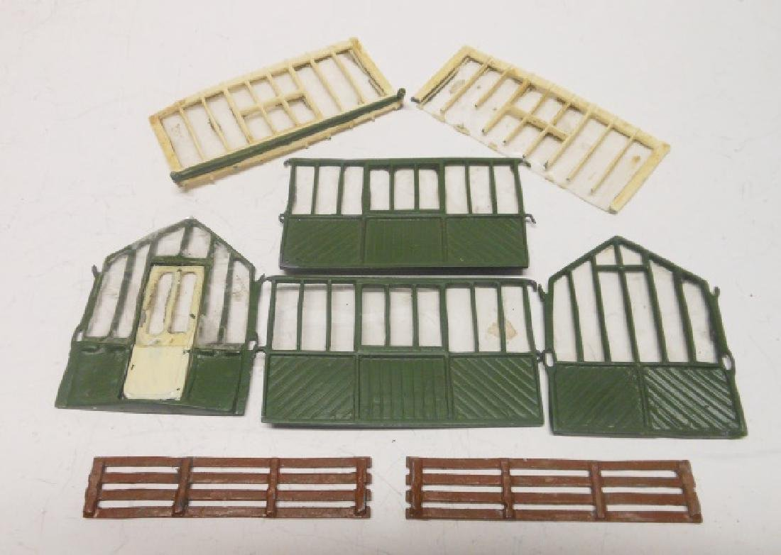 Britains Greenhouse Set #053