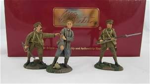 Britains Set 17690 WWI Fusiliers with Prisoner