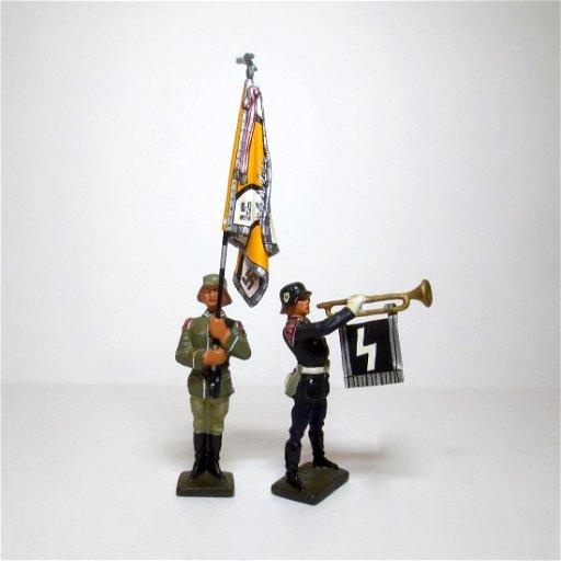 Lineol Lead Cast WW2 German Bugler & Flag bearer