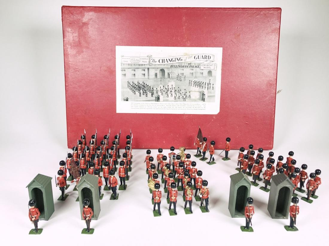 Britains Set #1555 Changing of the Guard - 2