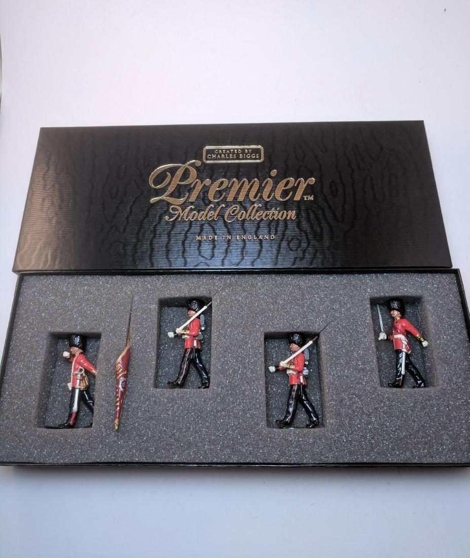 Britains Premier 9902 Coldstream Guardsmen Color