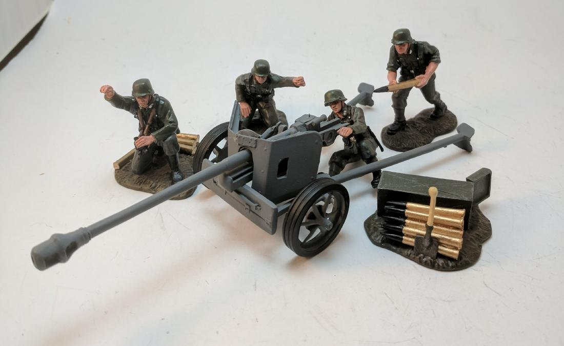 Britains WWII German Artillery