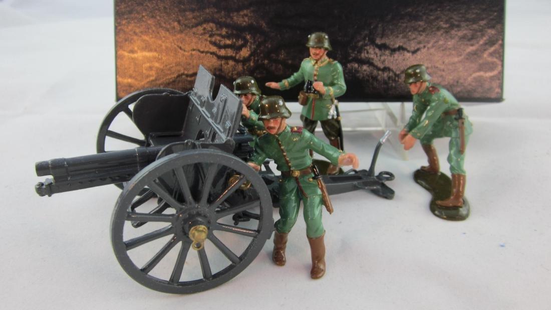 Premier #9808. German 7.7cm Gun & Crew