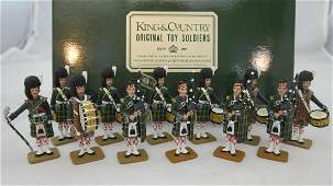 King  Country GHB Gordon Pipe Band Standing