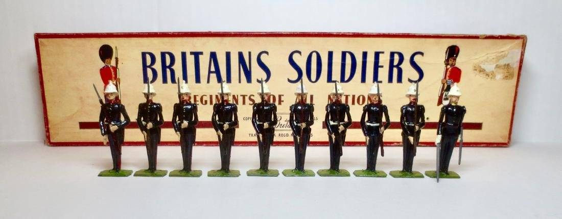 Britains Set #2071 Royal Marines Present Arms