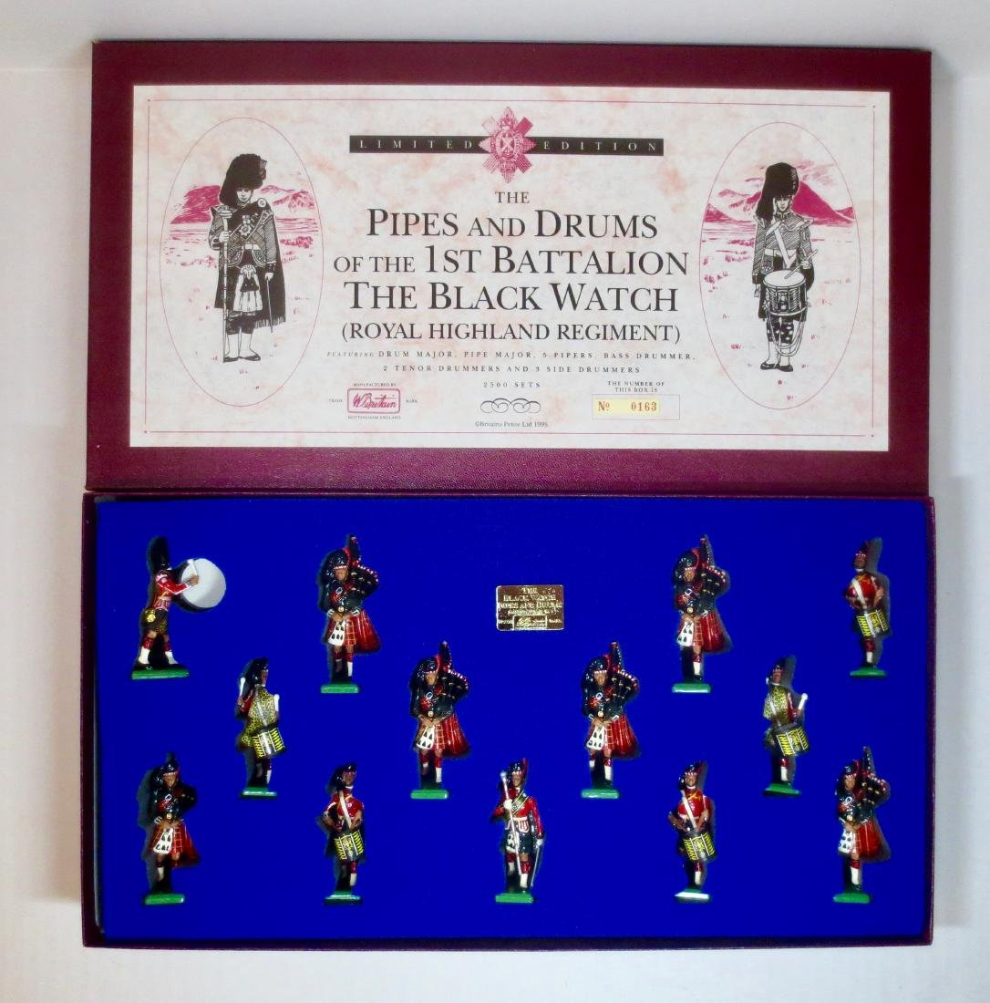 Britains Set #5196 The Pipes & Drums of The 1st