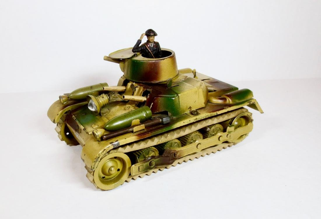 Gama Tin Wind-up Tank