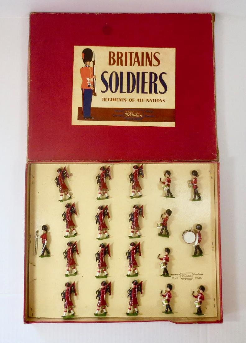 Britains Set #1722 Pipes and Drums