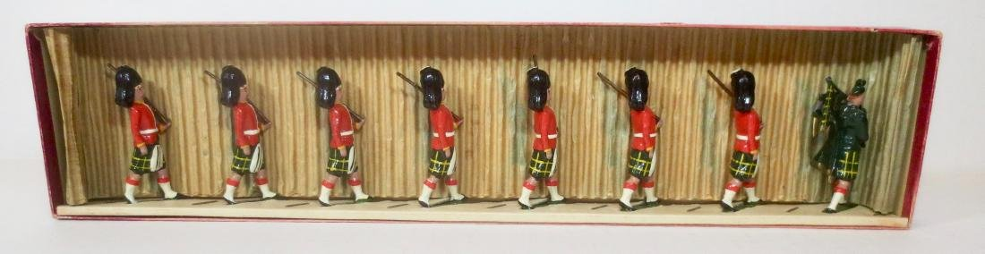 Britains Set #77 Gordon Highlanders with Piper