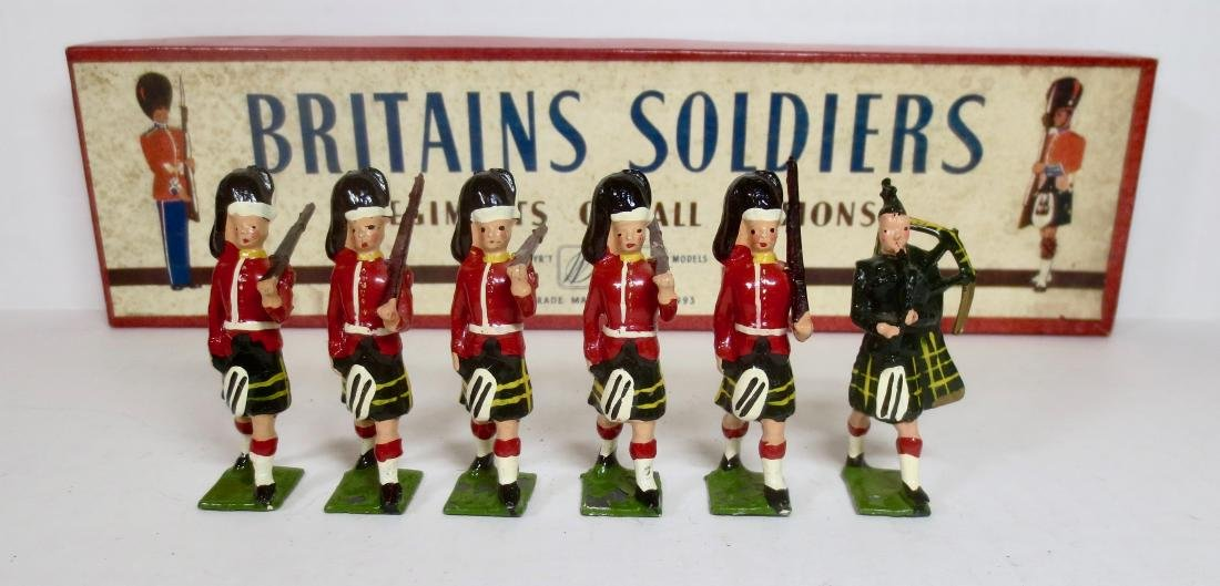 Britains Set #77 Gordon Highlanders with Piper