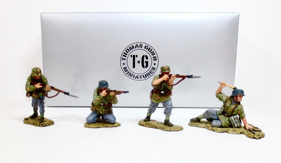 Thomas Gunn SS026CA Fire Group