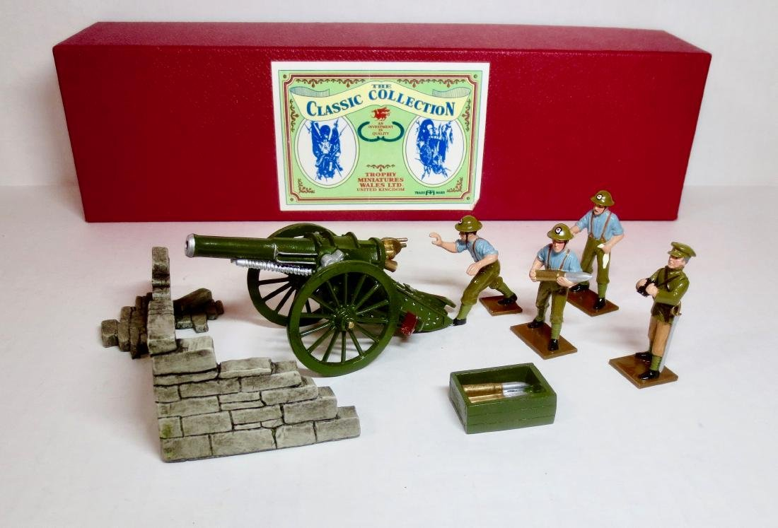 Trophy Set #EQ60 R.A. Mobile Field Howitzer