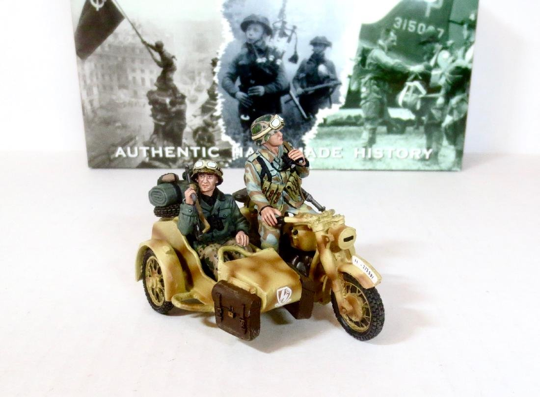 King & Country WS74 Waffen SS Motorcycle Combo