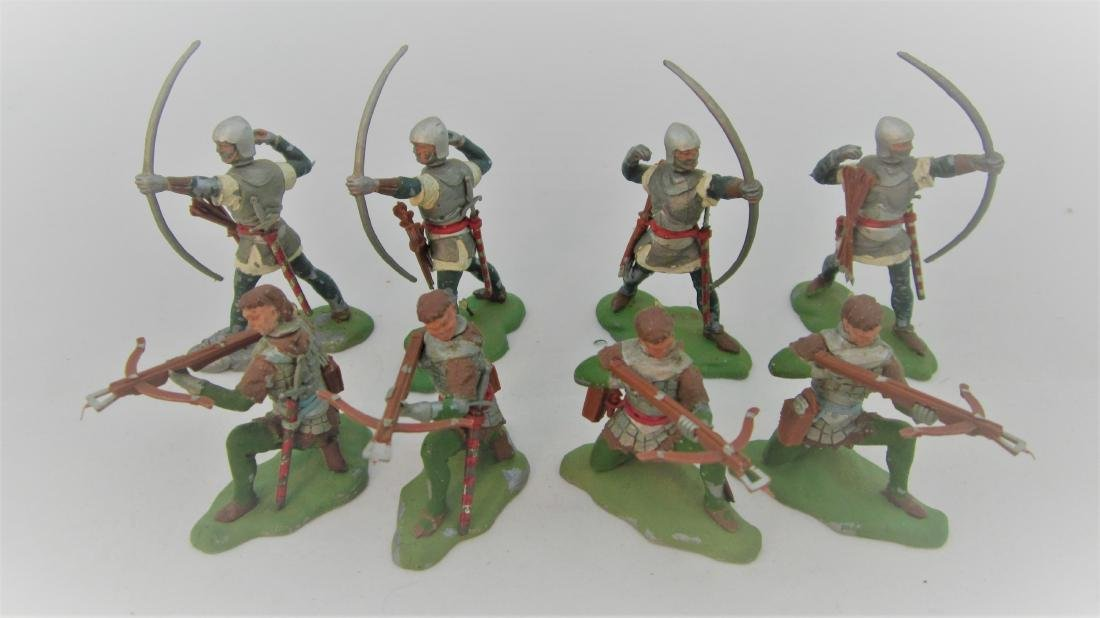 Britains #1472 &1475 Plastic Swoppet Knights.