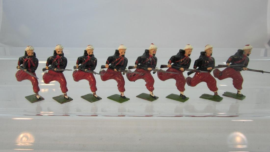 Britains Set #142 French Zouaves Charging.