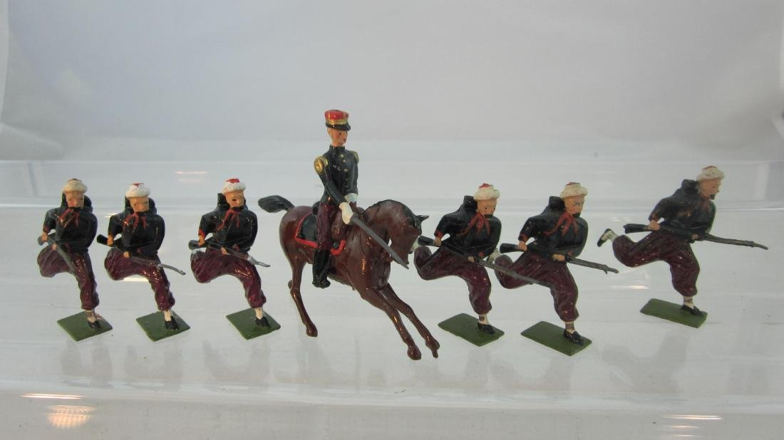 Britains Set #142 French Zouaves & Officer.