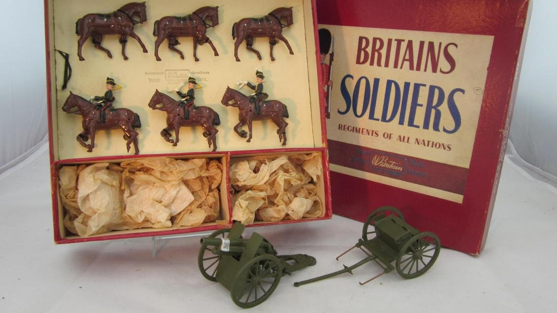 Britains Set #2077 Kings Troop Royal Artillery.