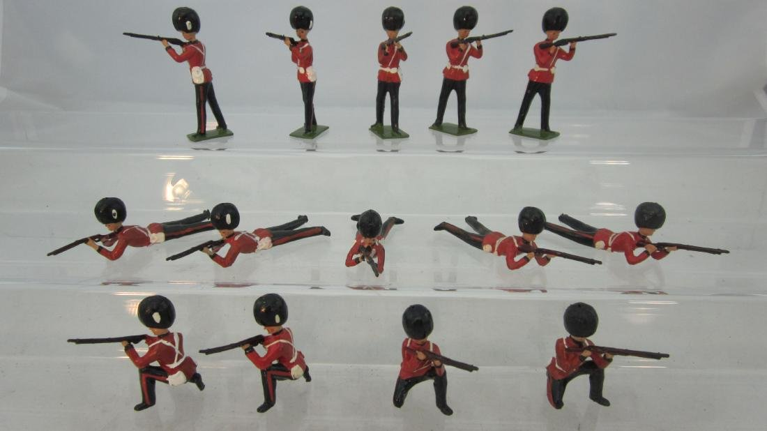 Britains #1283 Grenadier Guards Firing.