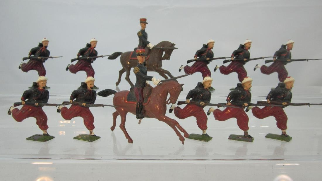 Britains Two Set #142 French Zouaves Charging.