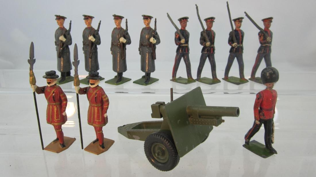 Britains Assorted Troops & Gun.