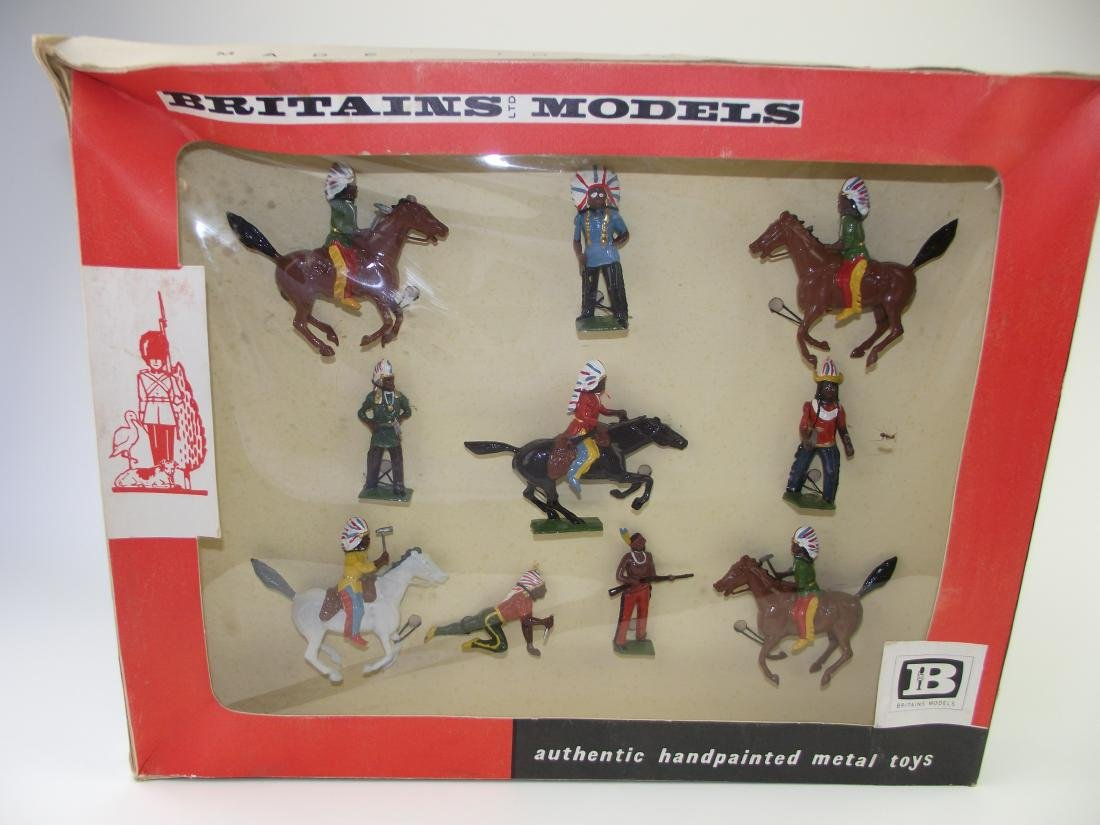 Britains Set #9389 American Indians Mounted & Foot