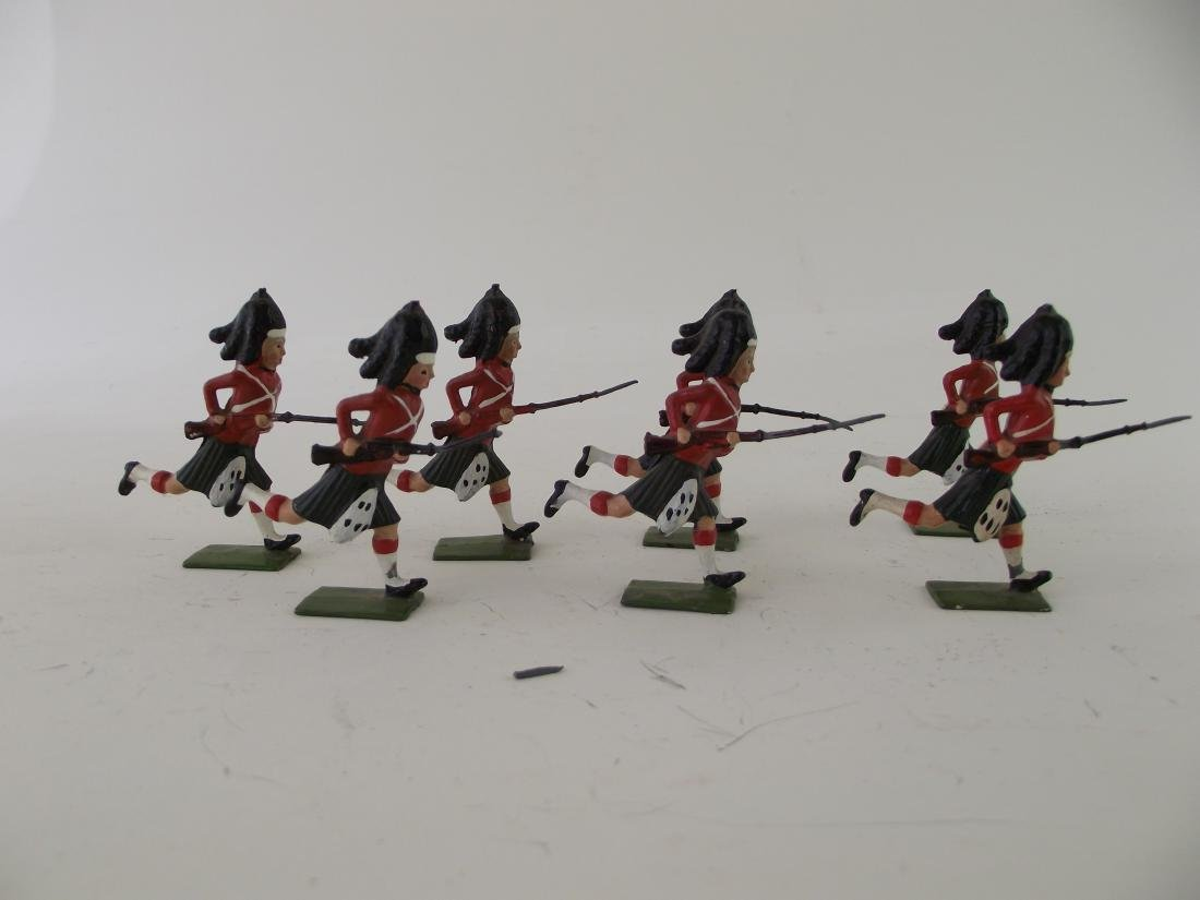 Britains Set #10 Blackwatch at Charge