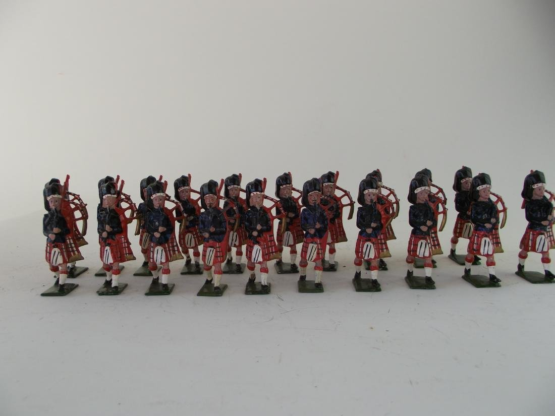 Britains Highlanders Blackwatch Pipers