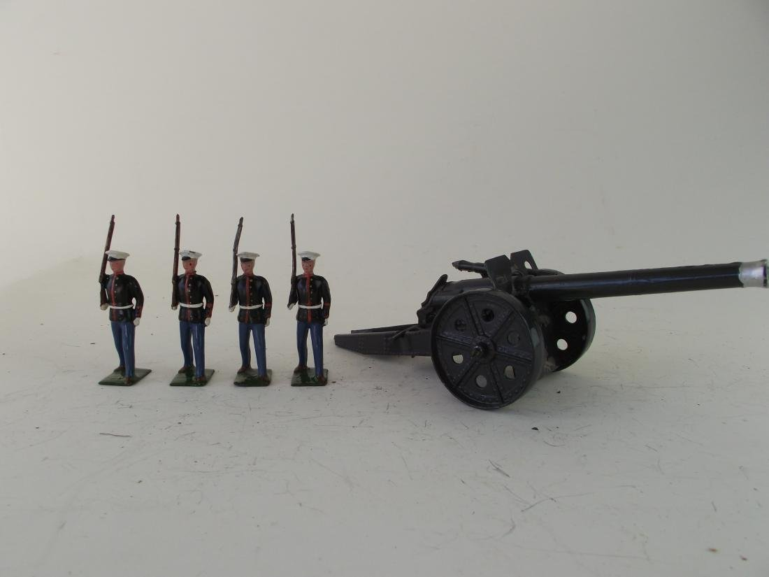 Britains Navy Howitzer in Grey and US Marines