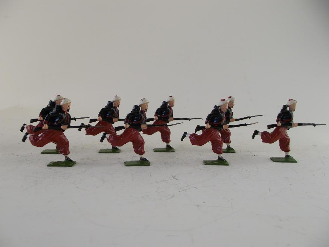 Britains #142 French Zouaves at Charge