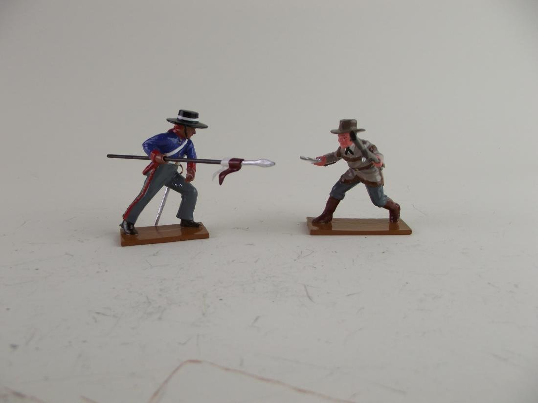 Trophy Alamo Duel Texan vs Mexican Lancer