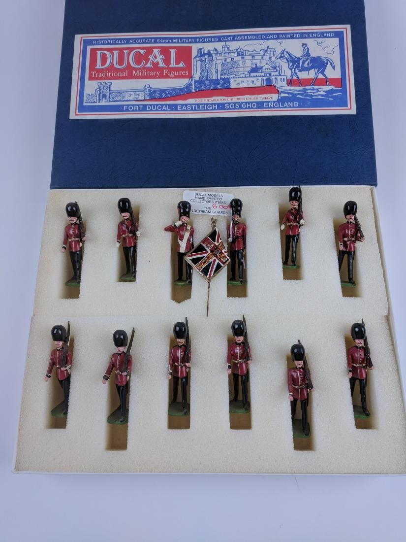 Ducal 6001S Coldstream Guards Set