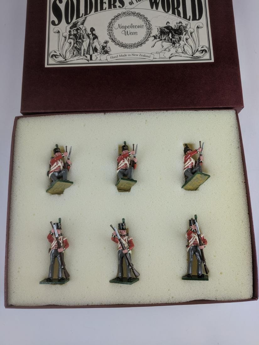 Soldiers Of The World 10C British Kneeling
