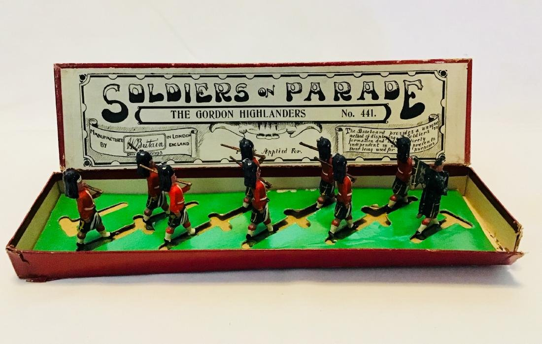 Britains Parade Set # 441 Gordon Highlanders