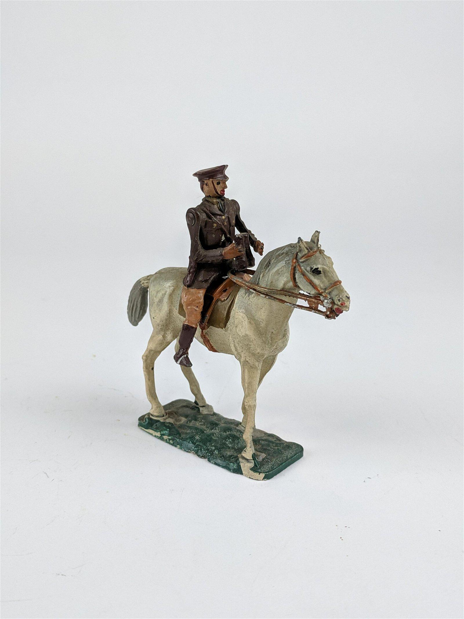 Warren Lines Mounted Staff Officer W/Binoculars