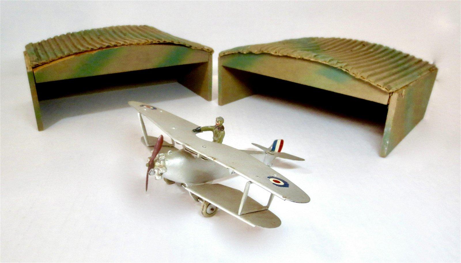 Britains #1521 VERY RARE Biplane & Hangers