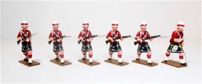 Trophy Gordon Highlanders Advancing