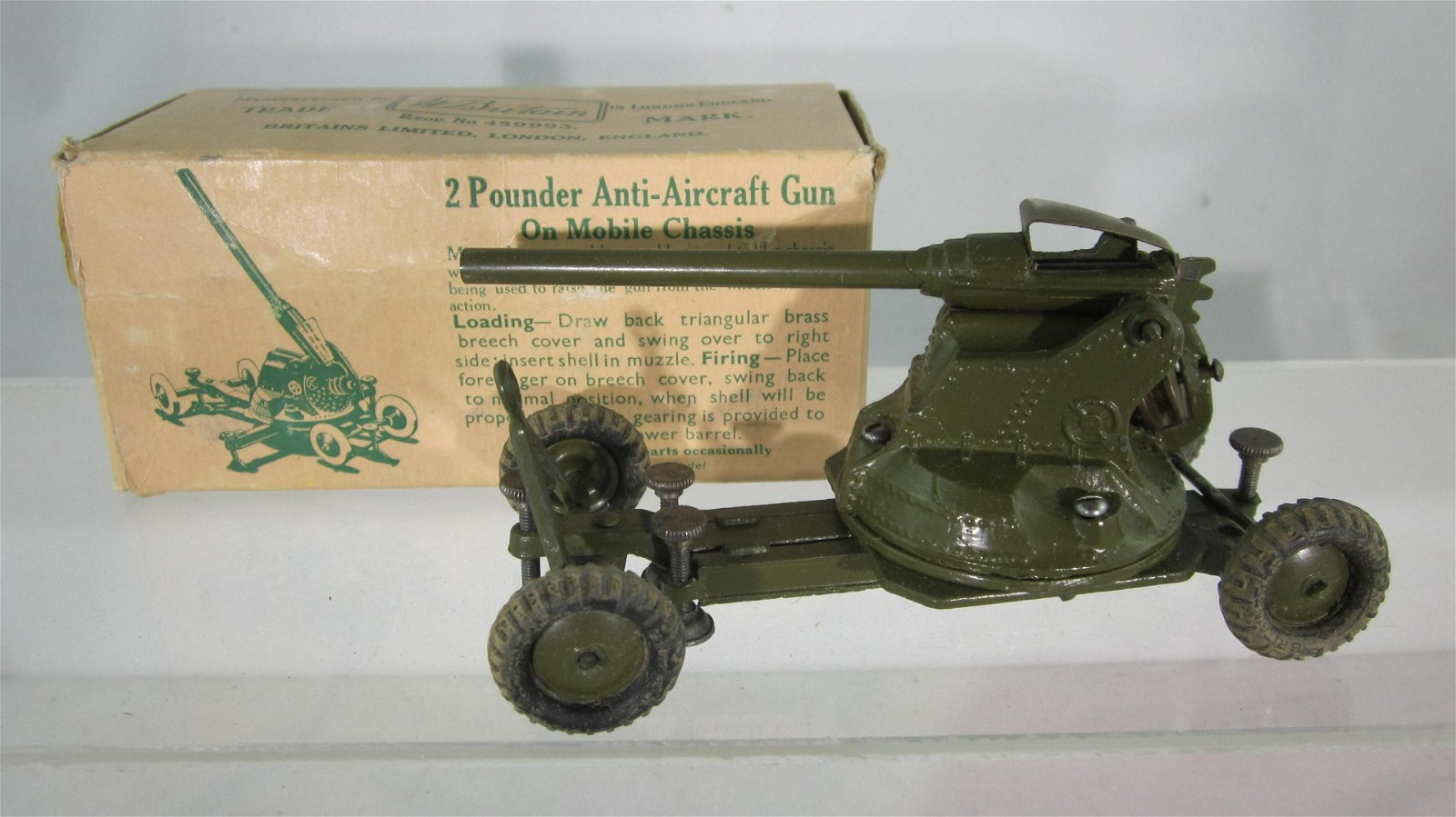 Britains Set #1717 2 Pounder Anti-Aircraft Gun.