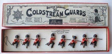 10: Britains Set #120 Coldstream Guards Kneeling Firing