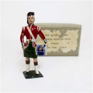 Minikins The Queen's Own Cameron Highlanders