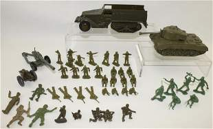 Lot of Ideal Plastic Tanks and Army Men