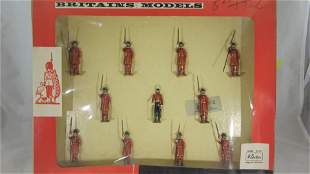 Britains Set #9300 Yeomen of The Guard.
