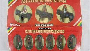 Britains Metal Model Queen And Highlanders.