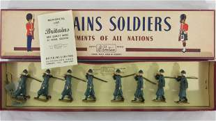 Britains Set #1435 Italian Infantry In Green.